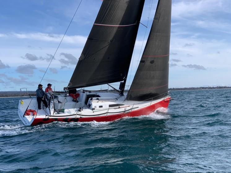 J111 Scarlet Runner